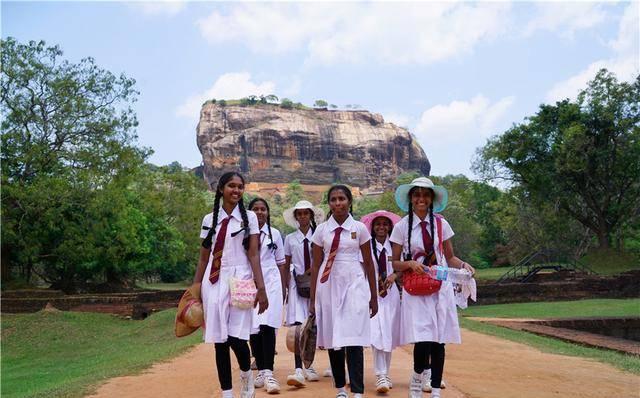 神秘的斯里兰卡狮子岩,宫殿为什么建在了200米高的岩石上?