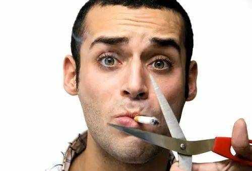 突然戒烟,反而会伤身体?医生终于说出了大实话!