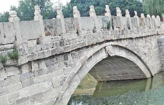 """济南唯一一处""""国保级""""石桥明天完成修缮 重现昔日风采"""