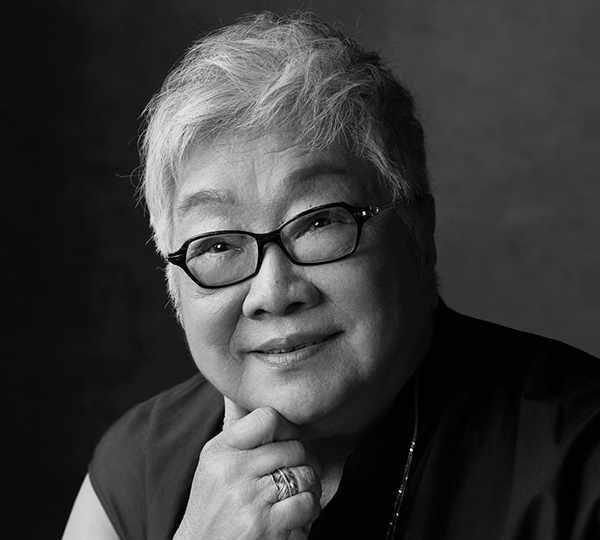 全女班话剧《奥赛罗》首演,导演陈薪伊写信邀了一位特殊观众