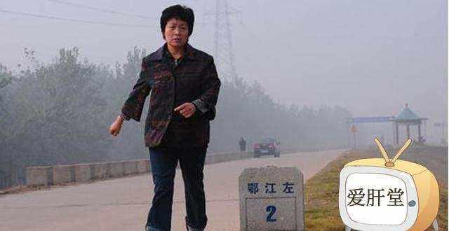 为了割肝救子,暴走妈妈感动中国