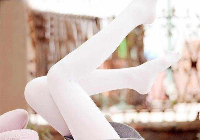 打底裤or打底袜,哪个更适合你穿?