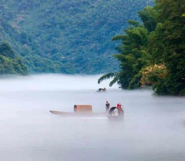 """郴州,被称为湖南最低调的城市,因一处""""隐藏仙境""""而成为超级网红!"""