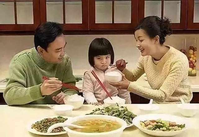"""中国式父母的悲哀:""""父母皆祸害""""(深度好文)"""