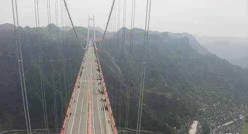 矮寨特大悬索桥施工动画,全方位解析世界级施工方案!