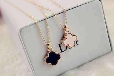 送女生项链的含义 项链的含义 送女生项链的含义