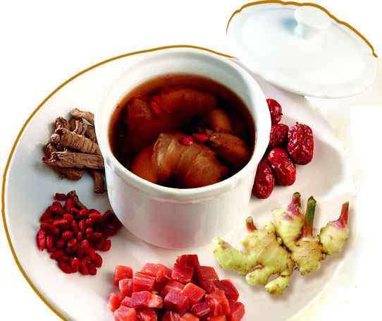 感冒姜汤的做法 感冒喝姜汤 姜汤也要对症喝