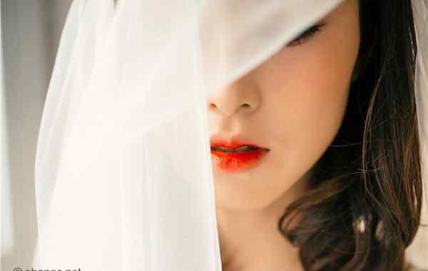 唇釉干了怎么办 唇釉怎么用不干和黏 涂抹均匀的方法技巧