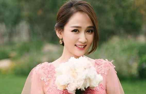 王凯公布恋情 隐瞒了这么久,王凯终于公布了他与陈乔恩的恋情