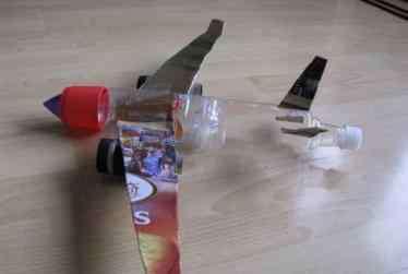 画班 小班画飞机美术教案