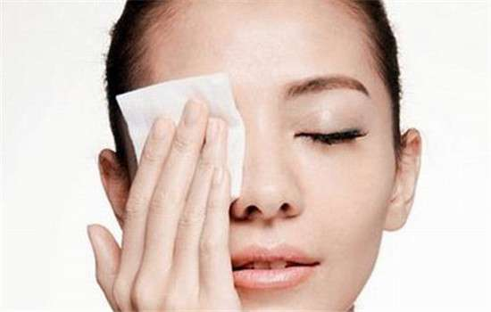 如何卸睫毛膏 怎么卸睫毛膏 不可忽视的卸妆技巧