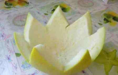 柚子皮怎么吃 柚子皮做菜怎么做好吃 柚皮做菜前正确处理很关键