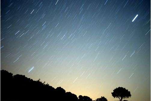 今晚流星雨时间 8月12日今晚英仙座流星雨时间