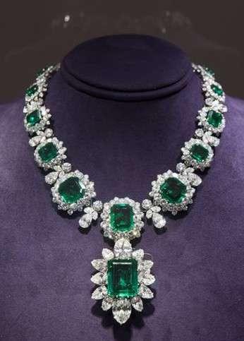 伊丽莎白泰勒的珠宝 伊丽莎白泰勒的珠宝首饰拍卖