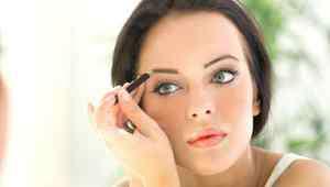 新娘妆的画法 新娘妆眼影的画法
