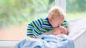 宝宝知道 几个月宝宝知道找声音