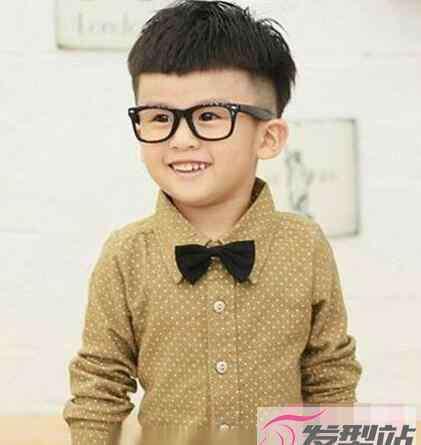 鬓角发型 小男孩剃鬓角发型 帅气酷炫从小就是潮男