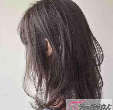 如何用卷发棒卷发 自己用卷发棒怎么卷头发 百变时尚卷发在家就能搞定
