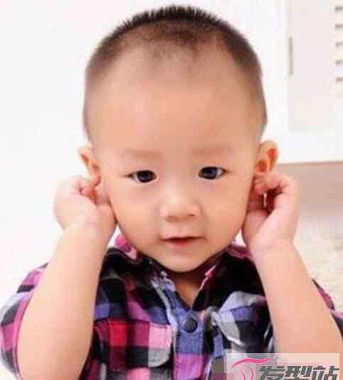 儿童男孩发型 儿童男孩寸头发型 酷炫清爽做个小潮男