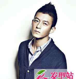 陈冠希最新发型 男生发型短发铲两边 陈冠希子弹头最时尚经典