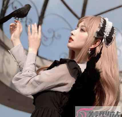 发带怎么带 洛丽塔适合什么发型 洛丽塔发带怎么戴