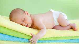 一个月的宝宝大便 一个月婴儿大便有酸味怎么回事