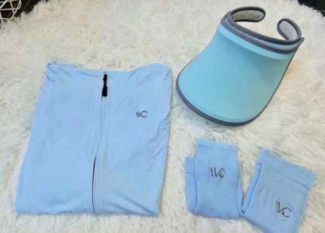 防晒衣什么颜色好 防晒衣和冰袖哪个在夏天好用,我两个都要了!