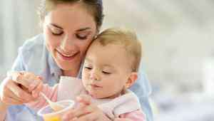 宝宝总是头部大量出汗 宝宝睡觉头部出汗多