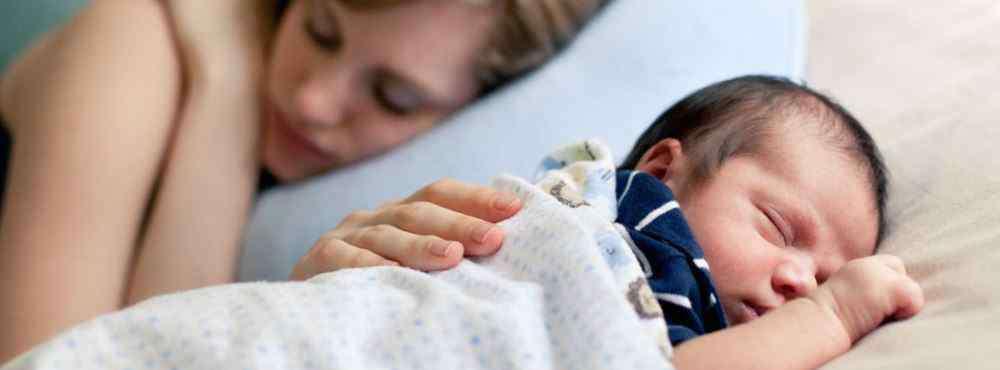 新生儿趴着睡多久合适 宝宝喜欢趴着睡 宝宝趴着睡有什么好处