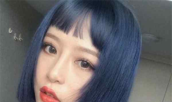 浅灰蓝 蓝灰色头发怎么染 蓝灰色掉色后是什么颜色