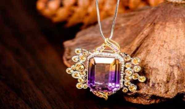 紫黄晶手链 紫黄晶应该怎么保养呢 紫黄晶的佩戴有什么注意呢