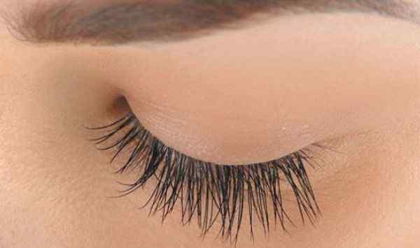 假睫毛可以重复使用吗 假睫毛可以多次使用吗 假睫毛能重复使用几次