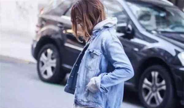 灰色卫衣搭配 灰色卫衣配什么外套好看 灰色卫衣搭配外套图片
