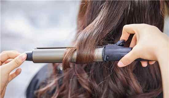 钢夹烫多少钱 钢夹烫是什么发型 去理发店做一般多少钱